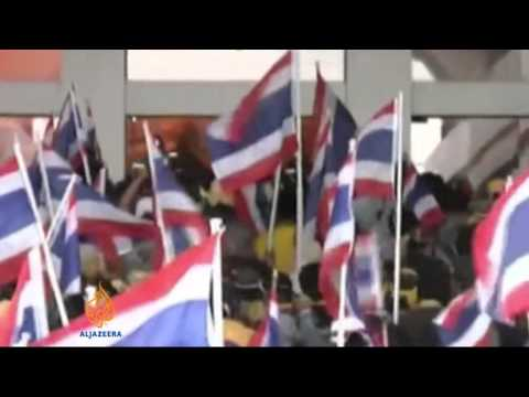 Thai protesters try to block election sign-up