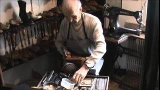 Shoemaker – hammering wooden nails