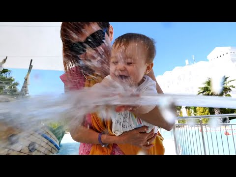 Бьянка в аквапарке в Турции и встреча с Эмили - Привет, Бьянка