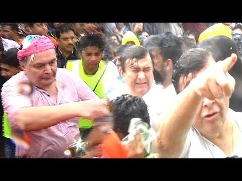 Shocking! Rishi Kapoor Hits And Misbehaves With Media At Ganpati Visarjan!