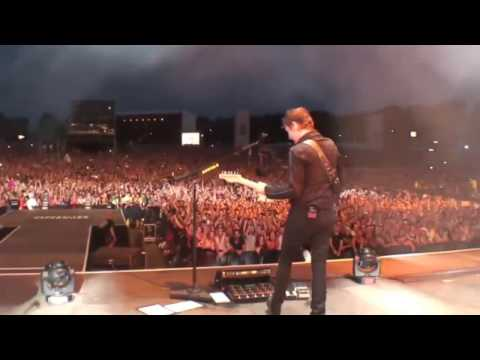 Muse - Plug In Baby (Live 2015)