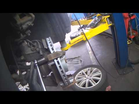 VW A5T: Tiguan front brake pads & rotors