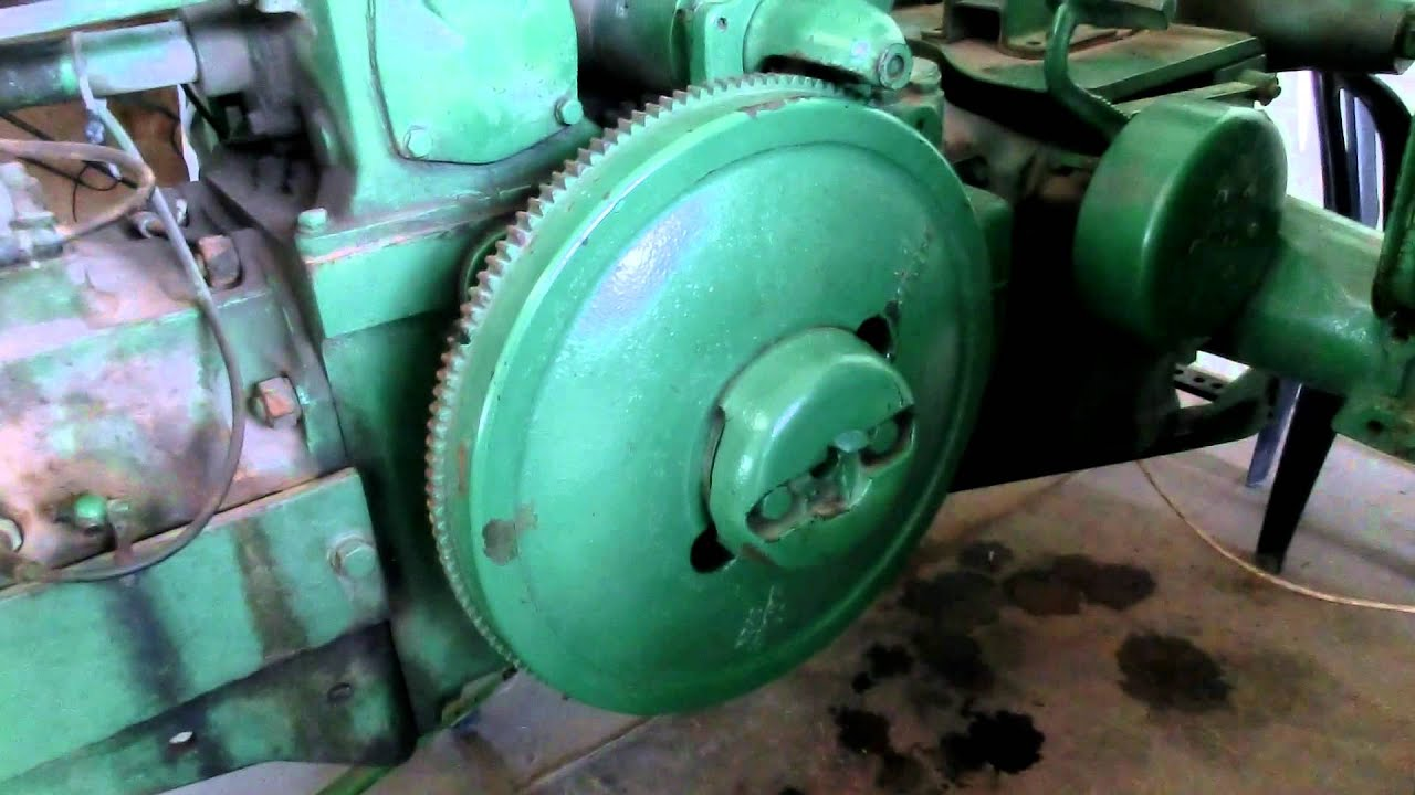 Close look at a Restored 1930s John Deere with 2 cylinders engine – John Deere 730 Engine Diagram