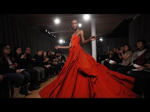 Zac Posen Fall 2014 New York Fashion Week Interviews & runway | Videofashion