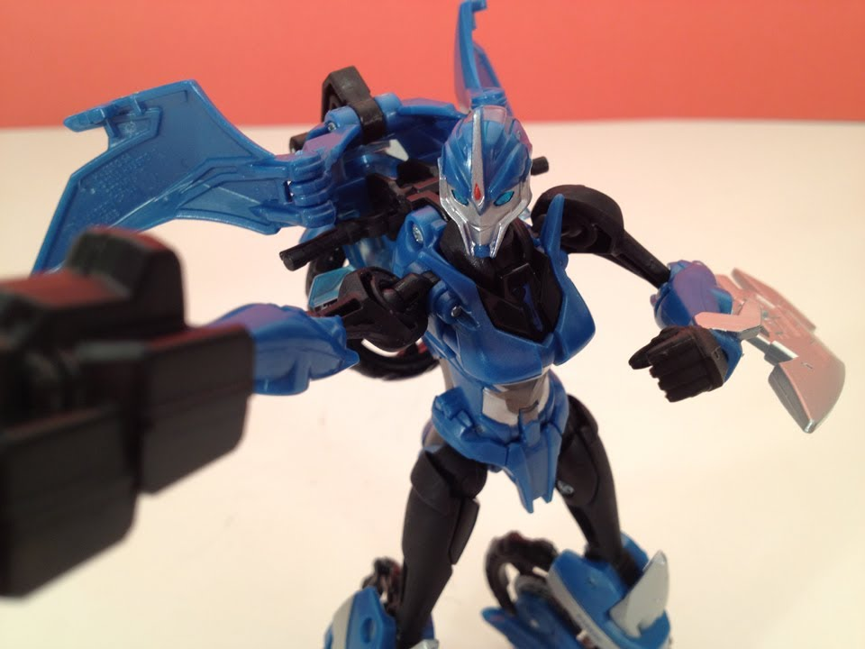 TRANSFORMERS PRIME - RID ARCEE - TOY REVIEW
