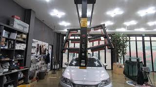 렉서스 ES300H 차량의 깨진 전면유리교체 앞유리교환…