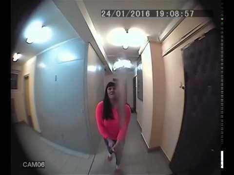 隣の住人が行う迷惑行為。監視カメラの映像