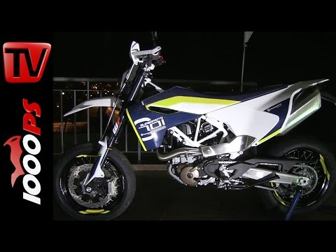 Husqvarna 701 Supermoto und Enduro Walk-Around @ Night