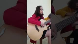 Hạ trắng - Trịnh công sơn,guitar cover học sinh Lệ Quyên ở buổi thứ 5