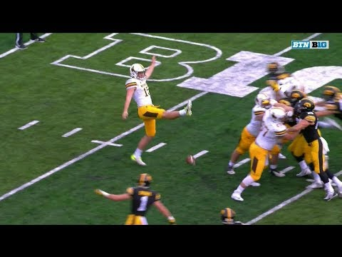 WYOMING PUNTER MISSES FOOTBALL ON PUNT ATTEMPT!