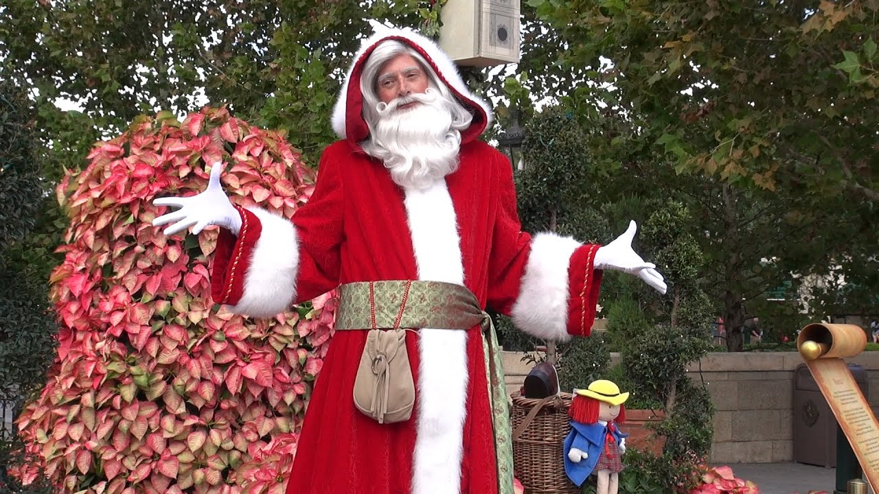 pere noel disney 2018 Père Noël France Storyteller at Epcot Holidays Around The World  pere noel disney 2018