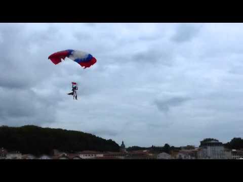 Saut des parachutistes du 1er RPIMa de Bayonne