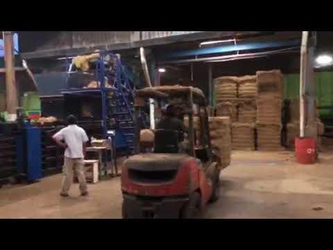 Cotton fabric fiber compress baling machine