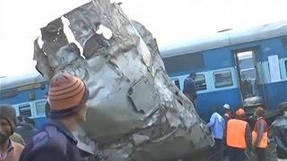 بالفيديو والصور.. 60 قتيلاً بانحراف قطار عن مساره في الهند