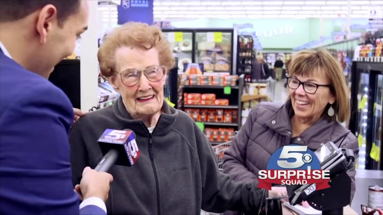 Surprise Squad: Grocery shoppers surprised with random act of kindness