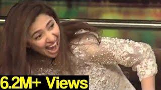 Mahira Khan gone crazy as Jogi Baba comes in Mazaaq Raat