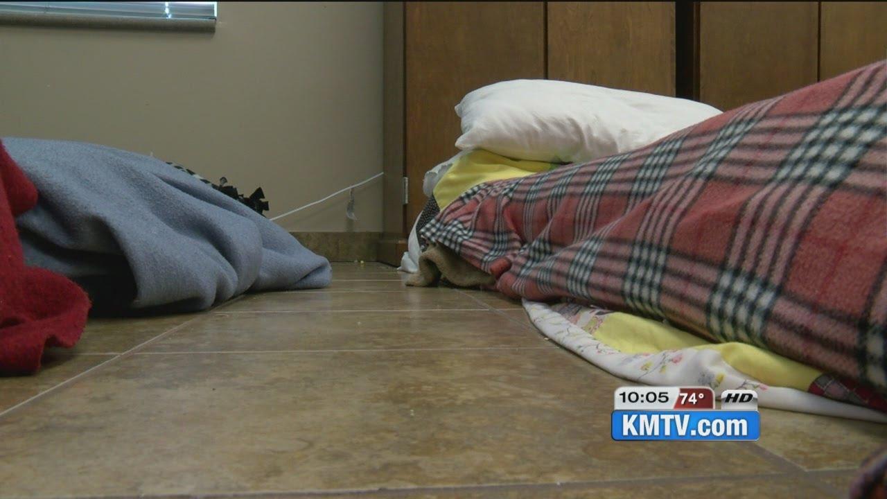 Floor mats to sleep on - Open Door Mission Over Capacity Women And Children Sleeping On Floor Mats