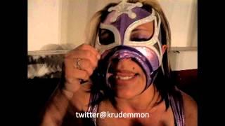 Rderudo Vaquerita reta a Keira a duelo de mascaras