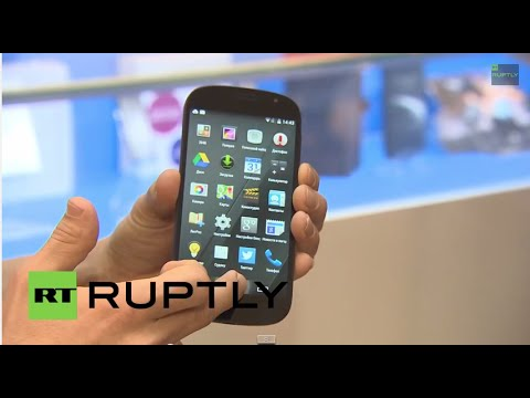 Russia: YotaPhone 2 smartphone goes on sale in Moscow