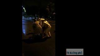 Cảnh sát giao thông giả vờ té ngã để lấy cớ khống chế người dân ở Quy Nhơn và cái kết.....