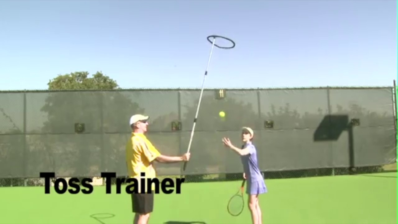 How to Improve the Accuracy of Your Tennis Serving Toss