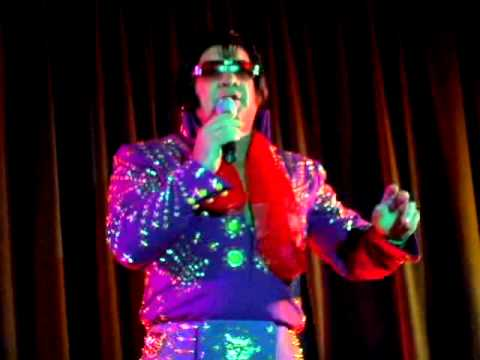 Ricky O'boyd sings 'All Shook Up' at Elvis Day 2008 (video)