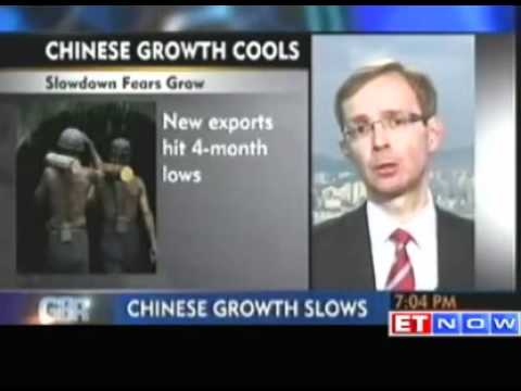 Chinese manufacturing shrinks raises fears of sharp slowdown