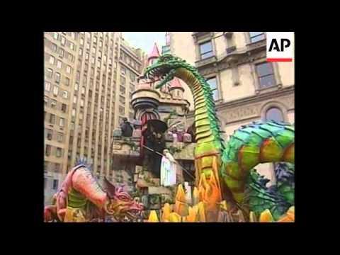 USA: NEW YORK: THANKSGIVING PARADE