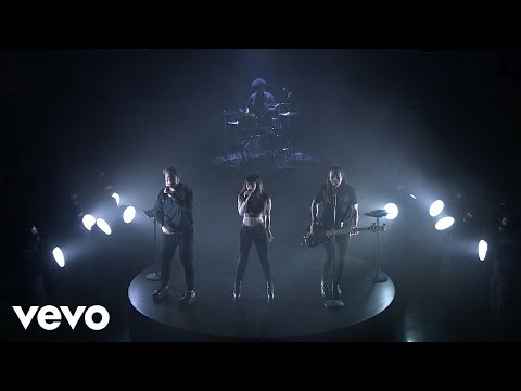 The Band Perry - Stay In The Dark (Live on The Tonight Show Starring Jimmy Fallon)