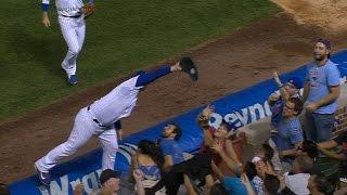 Rizzo makes incredible grab, falls in crowd