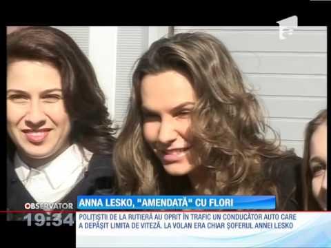 """Anna Lesko, """"amendată"""" cu flori de agenţii de la circulaţie"""