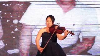 Repeat youtube video 蘇秋菁婚宴中提琴演奏20170221