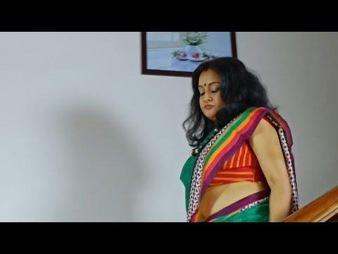 Malayalam Actress Rare Hot Navel Show - YouTube