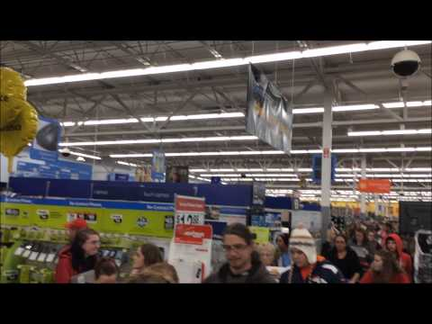 Walmart #1937 Thanksgiving Black Friday 2014 Coshocton, Ohio