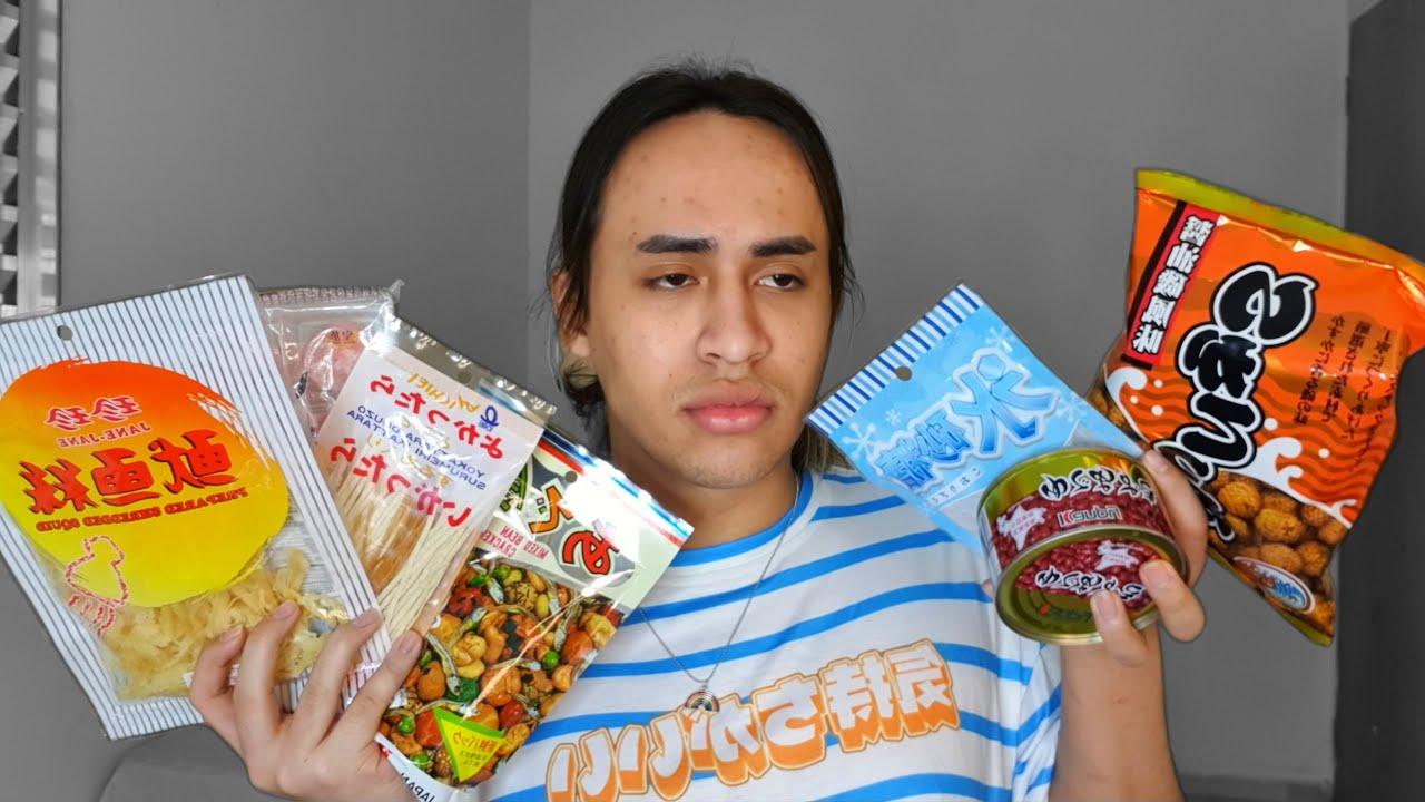 Provando comidas estranhas do Japão..