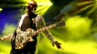 Underworld - Mo move ( live in Sonar 2003 )