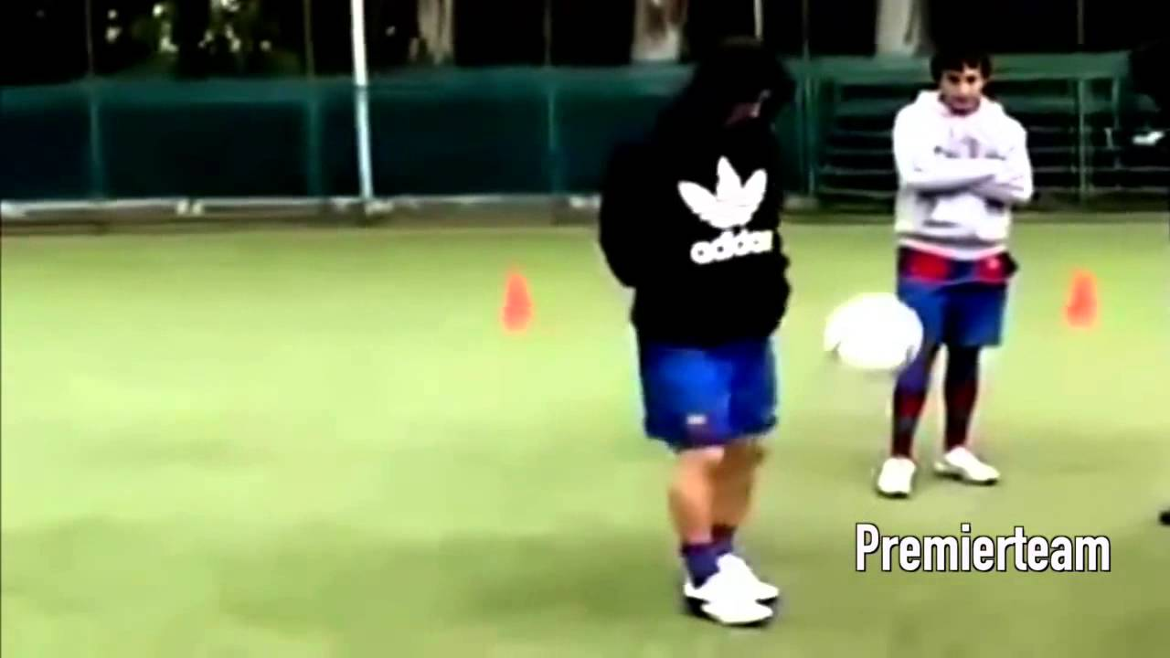 Download Lionel Messi In Training ● Warm up   Skills & Freestyle HD NEW