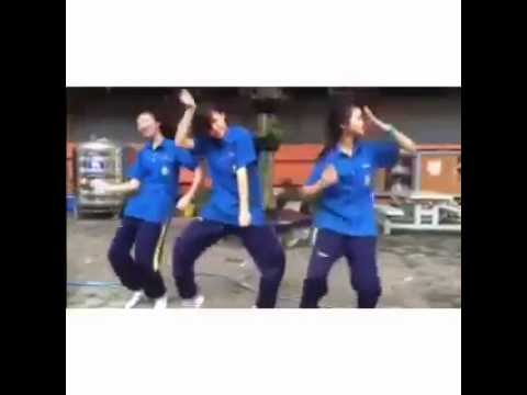 สามสาว เต้น ไอโฟน 6 แดนซ์ อย่างฮา มันๆ