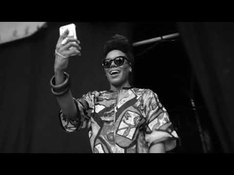 Youtube: Move Over – China Moses«& The Vibe Tribe» EP – Dir. Adriano Vannini