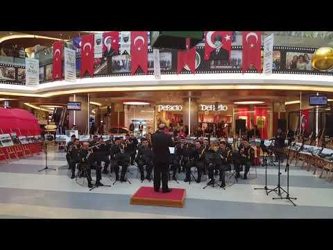 İzmir Ufuklarında Marşı-2 Ordu Komutanlığı Bölge Bandosu