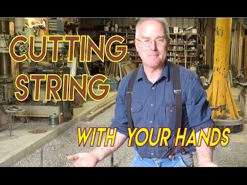 Cómo cortar una cuerda con las manos desnudas