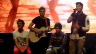 One Direction - I Gotta Feeling, Stereo Hearts, Valerie, Torn - Manchester 23/12/2011