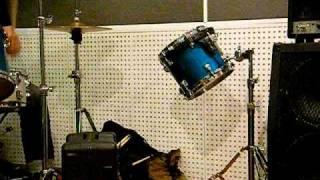 FAR BEYONDと同じメンバー+ボーカルで撮りました。 この曲もセ...