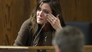 Chis Kyle's Widow Breaks Down on the Stand and the Chilling Text Message