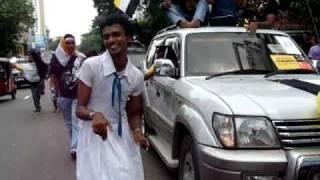 Repeat youtube video Mahanama College Big Match Vehicle Parade 2010 - Part 2