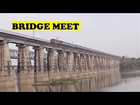 WAP4 Karnataka Punjab Mail Narmada River Bridge