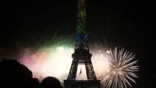 [HD]Feu d'artifice 14 juillet 2013 Paris : Tour Eiffel Arc en ciel au Champs de Mars