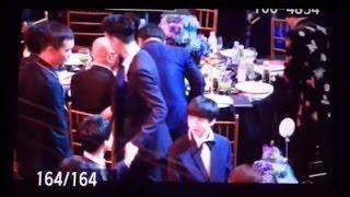 Video 160909 Bazaar Charity Night - EXO Lay shake hands with TFBOYS Jackson!!! 张艺兴和易烊千玺两大舞担握手啦! download MP3, 3GP, MP4, WEBM, AVI, FLV November 2018