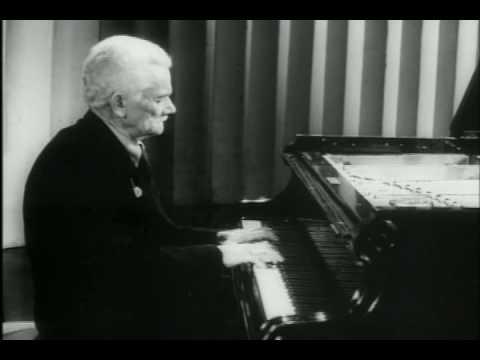 Alexander Goldenweiser plays Chopin Prelude in c minor, op. 28, no. 20.