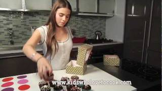 Chocolate Cupcakes With Dark Chocolate Frosting - Kids Cooking Channel